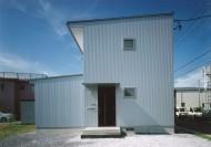 シルバー色の家