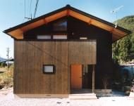 木曽谷を一望できる家