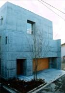 4層コートのある家