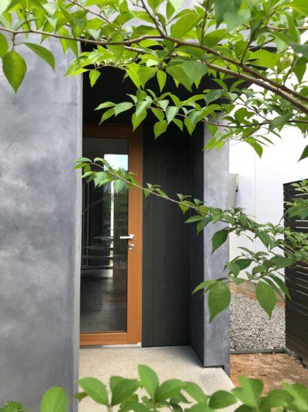 玄関「対角にひらく家」松本市