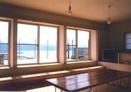 諏訪湖を望む家