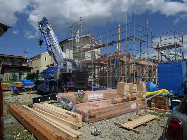 建て方開始「深い軒の片流れ」松本市