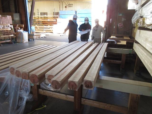木材の確認 東西にひろがる家 松本市