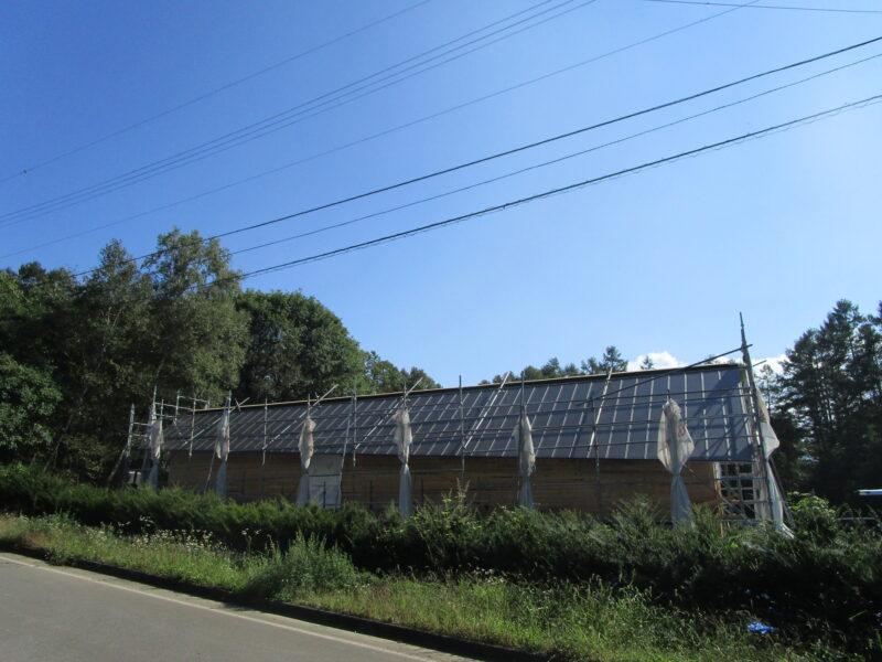 変形切妻屋根 原村 末広がりの家