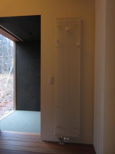 輻射暖房(パネルヒーター)蓼科高原 別荘設計