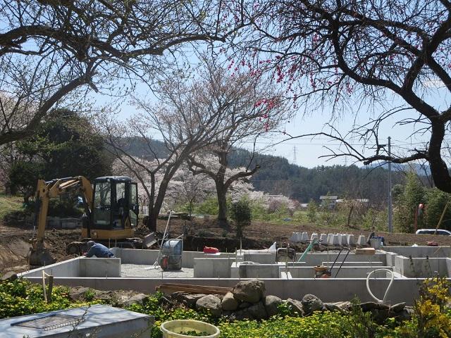 基礎工事進行中「里山の庵」筑北村の別荘