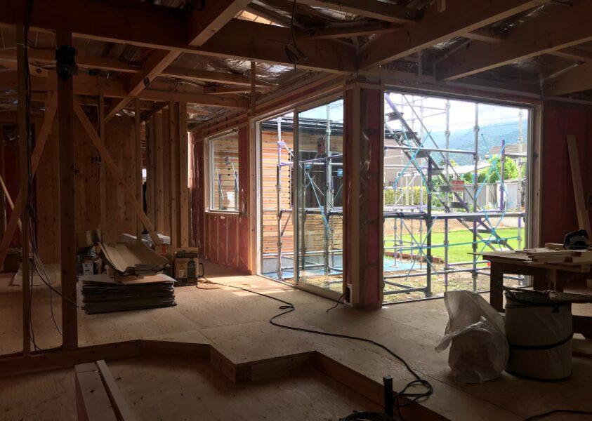 木工事進行中「平屋のコートハウス」松本市